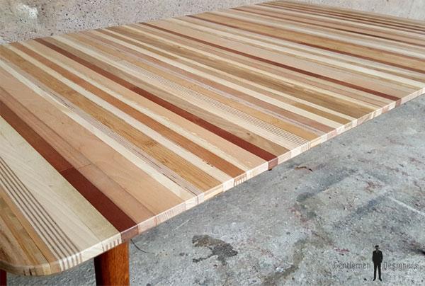 table faite avec des chutes de bois