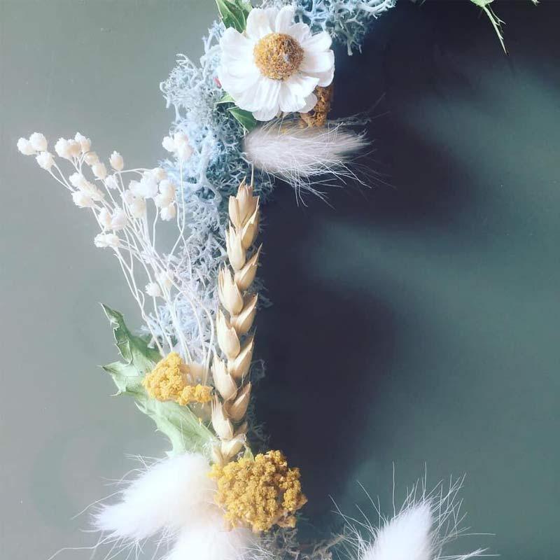 couronne de fleurs sechees