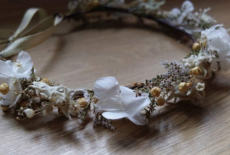 couronne de fleurs pour un mariage