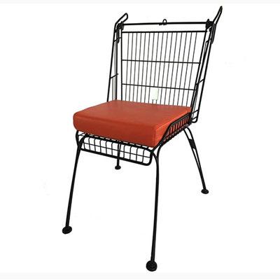 chaise faite avec un caddie upcycling