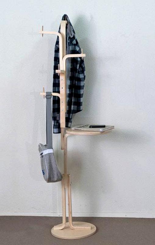 """porte manteau a partir du tabouret Frosta par """"Ikea hackers"""""""