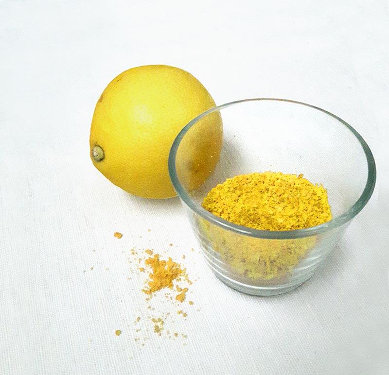 les epluchures de citron transformes en poudre